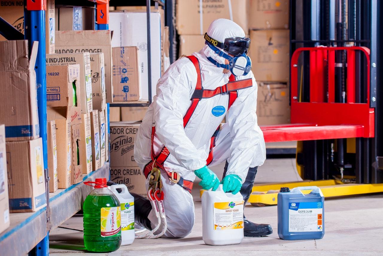 ¿Por qué los trabajadores deben usar protección respiratoria?
